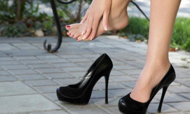 Tips Aman Memakai Sepatu Berhak Tinggi